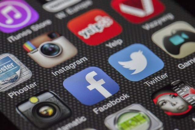 Facebook Poštrava Pravila za Političko Oglašavanje