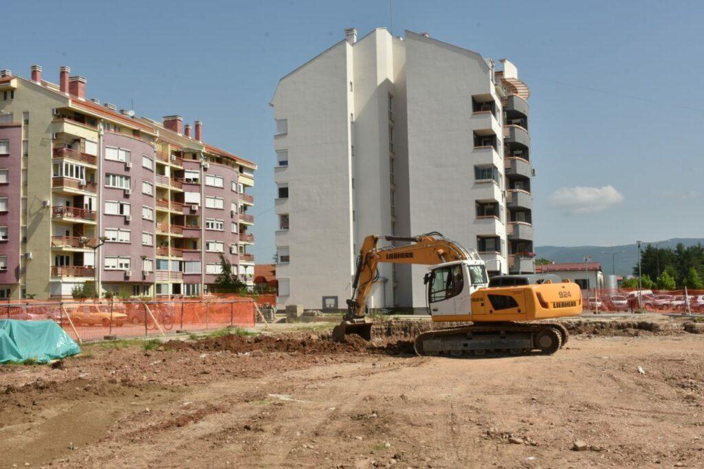 Kamen temeljac za tri nove lamele u Duvaništu; Foto: Grad Niš
