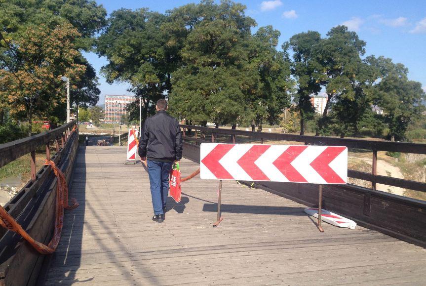 Drveni most u Tvrđavi nije bio bezbedan za pešake