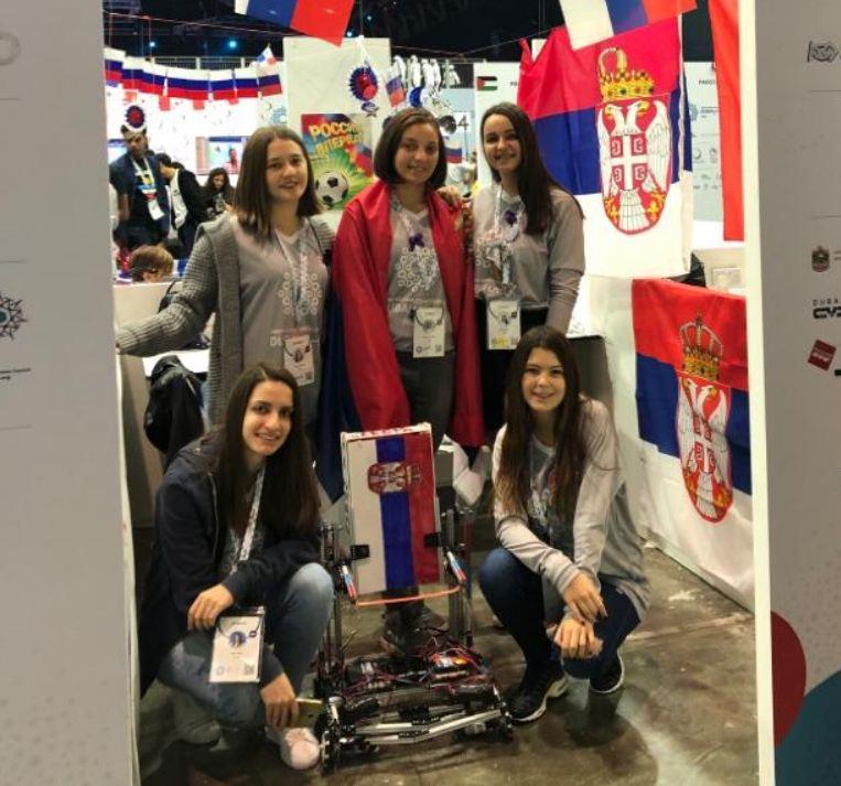 Srpski tim na takmičenju iz robotike u Dubaiju