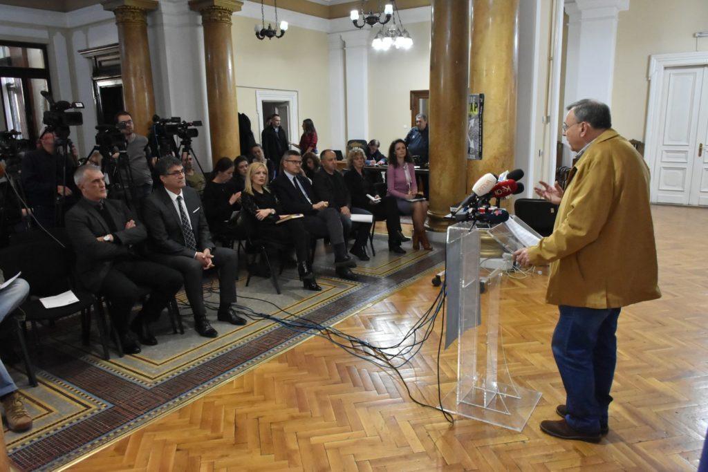 Teatar na raskršću, konferencija za novinare u Gradskoj kući