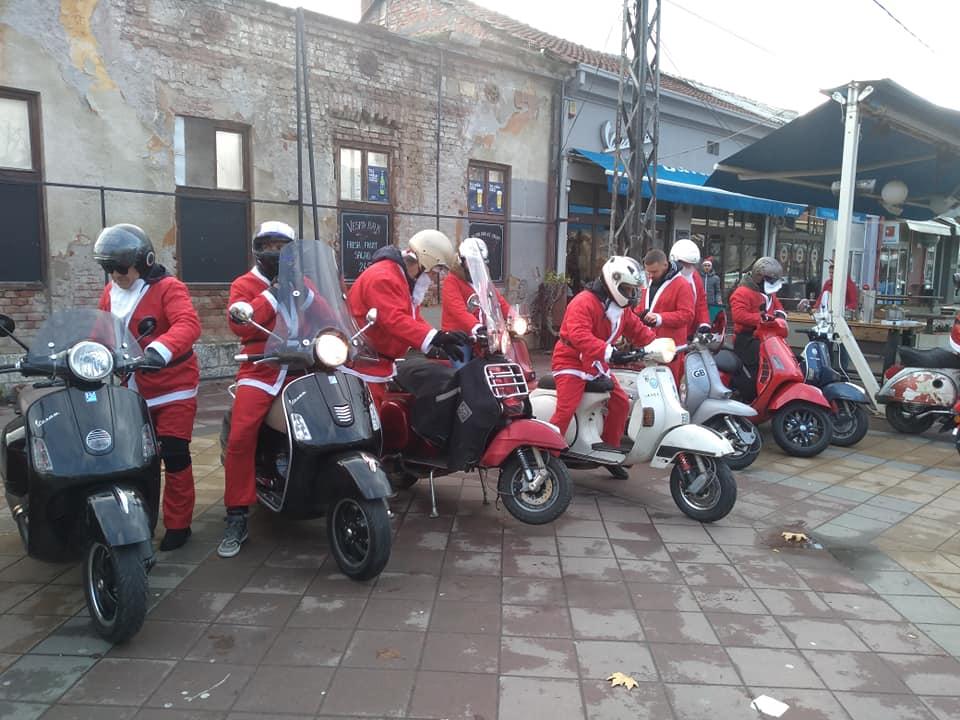Deda Mraz na motociklu; Foto: S.L.