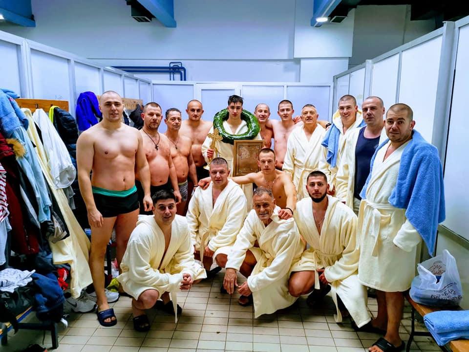 Plivanje je na gradskom bazenu Čair organizovala GO Medijana