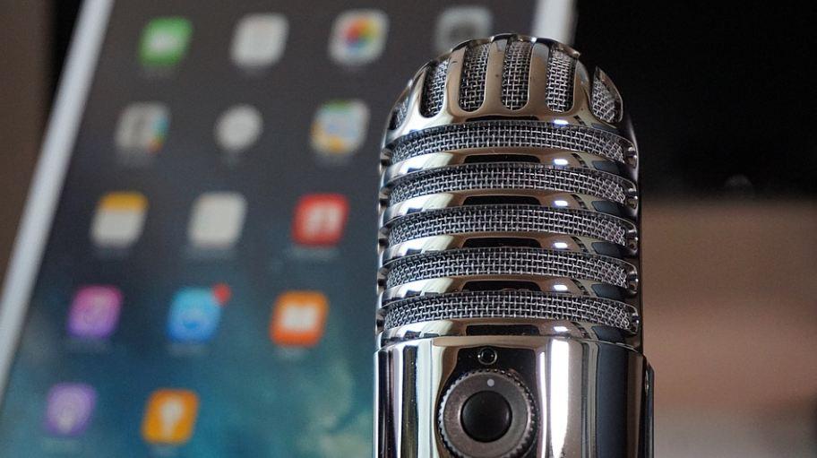 Podkast (engl. Podcast) je digitalna datoteka koja sadrži audio ili audio-video zapis koji se distribuira putem Interneta koristeći RSS tehnologiju, a namenjen je gledanju (ili slušanju) na računaru, digitalnom prenosnom plejeru